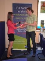 Tablet v soutěži s Fio bankou a naším serverem předán vítězi