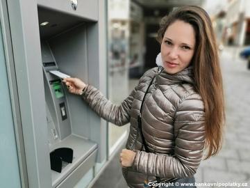 Komentované zprávy bank: K AirBank už od 15 ti, Creditas slaví stoupající počet klientů